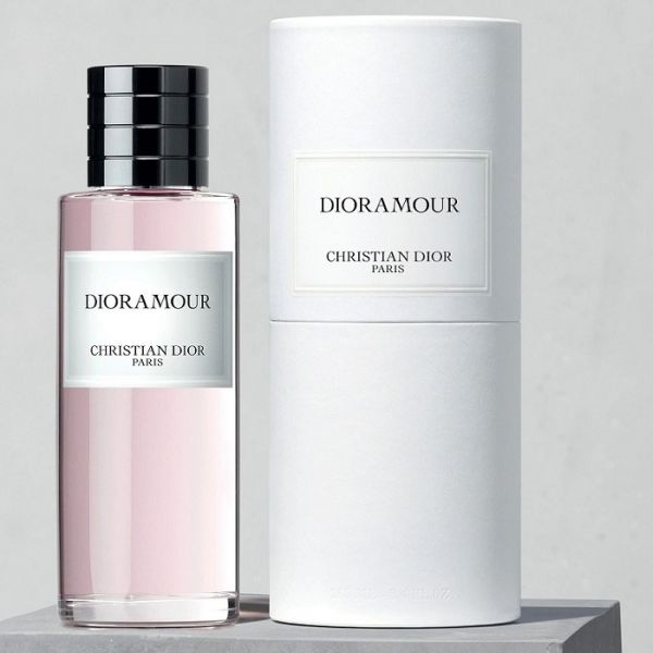 DIORAMOUR